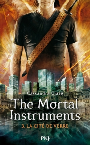 The Mortal Instrument – L'épée mortelle de Cassandra Clare.